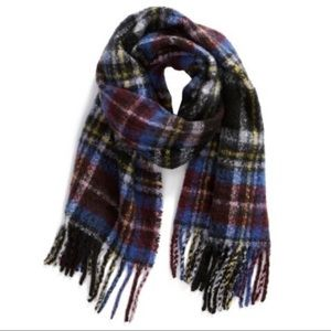 BP. Multicolor Plaid Boucle Knit Scarf